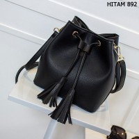 Tas Kulit Fashion Import Wanita MD 892 Hitam