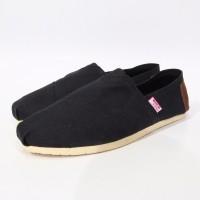 Sepatu Wakai Hitam / Black Grade Original