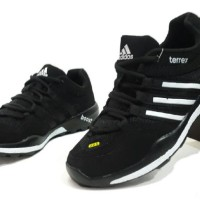 harga Sepatu Casual Sneaker Running Volly Adidas Terrex Men 4 Varian Warna Tokopedia.com