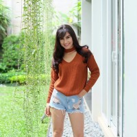 Jasmeen Ve Coral Sweater