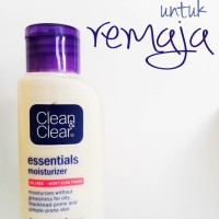 Clean & Clear Essentials Moisturizer Improved Formula Oil Free