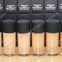 MAC Studio Fix Fluid SPF 15 Foundation Kode NC25