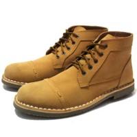 sepatu boots pria black master zara