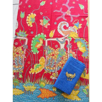 kain batik wayang baru merah-biru dan embos