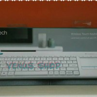 LOGITECH WIRELESS TOUCH KEYBOARD K400 PLUS / TV ANDROID RESMI1