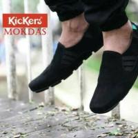 Sepatu slip on pria/kickers casual/sneakers/sepatu santai original