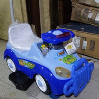 mainan mobil family biru