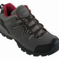 Sepatu Gunung Cewek seri regatta holcombe low, size: 38 & 39