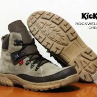 sepatu boots kickers tracking safety ujung besi sepatu lapangan