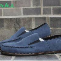 sepatu casual clarks venice leather suede navy