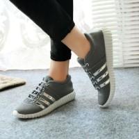Sepatu Kets Running Wanita 707 Abu
