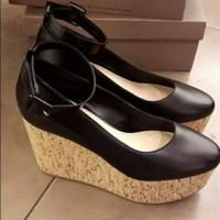 Sepatu wanita original Charles n Keith 240 black