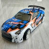 Mobil RC drift 4WD skala 1:16