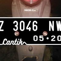 Sticker Cutting Skotlet Plat Nomor MOTOR + Nama