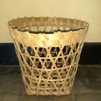 keranjang bambu tempat bunga, kue,jajanan, oleh oleh , hewan dll