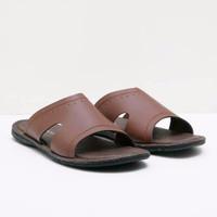 Sandal Pria Yongki Komaladi 2100080 Coklat