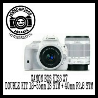 Canon EOS KISS X7 / X 7 Double Kit 40mm F/2.8 STM + 18-55mm IS STM