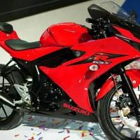 Motor Suzuki GSX 150R Warna Merah Cash atau Kredit