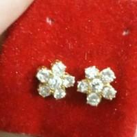 Anting berlian Singapore bunga pengikat emas 22