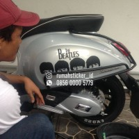 Sticker Cutting The Beatles Motor Mobil Vespa DLL
