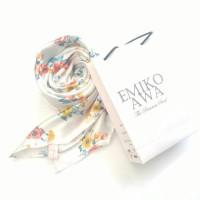 Kerudung Segiempat Motif Keisha White / Hijab / Jilbab / Emikoawa