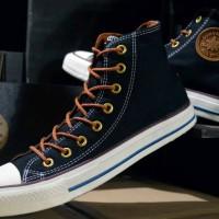 Sepatu Converse high warna Hitam