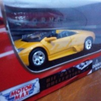 diecast miniatur lamborghini murcielago roadster motormax 1/43