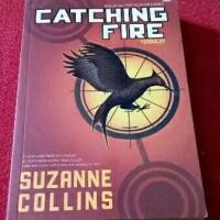Jual Buku Kedua The Hunger Games CATCHING FIRE (Tersu!ut) Murah