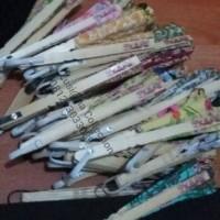 Jual nama + plastik + souvenir pernikahan kipas batik sedang / kipas batik Murah