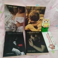 "Novel Indonesia : Tetralogi ""Passionate of Love"" - Santhy Agatha"
