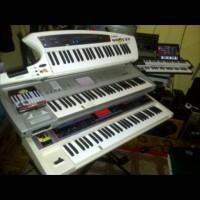 roland juno di keyboard shyntisizer