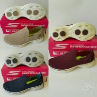 Sepatu Skechers Women / Skecher Women / Skechers GoWalk 4 Gifted