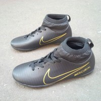 Nike futsal / sepatu olahraga / sepatu kets / sepatu keren / sneakers