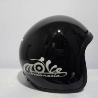 Helm retro merk Igloo - helm bogo motif love indonesia / vespa