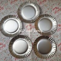 Piring Kue / Piring Kertas Silver / Paper Plate / piring Pesta