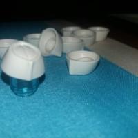 peci putih lego aksesoris