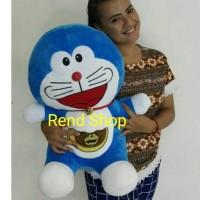 Boneka Doraemon Besar