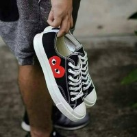 SEPATU CONVERSE CHUCK TAYLOR GARCONS PLAY X ALL STAR 70s LOW PREMIUM