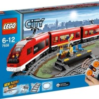 LEGO CITY 7938 : Passenger Train