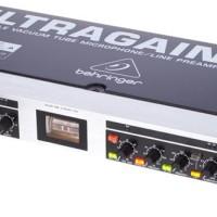 BEHRINGER ULTRAGAIN PRO MIC 2200