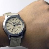 Jual Jam tangan Seiko 5 SNK803K2 Automatic 21 Jewels Beige Military ori Murah