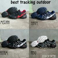 sepatu gunung salomon tracking