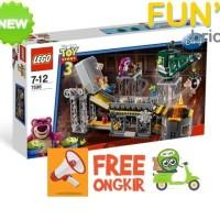 LEGO 7596 : Trash Compactor Escape