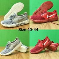 Sepatu Sneakers Pria Nike Yeezy Boost / Nike Yzy