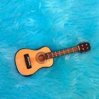 Jual Miniatur Ukulele Barbie Figure 1:6 / Miniatur Gitar Figure 1:12 Murah