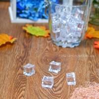 es palsu 4 pcs / fake ice cube food fotografi properti uk. 2x2x2.5cm