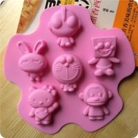 Cetakan Es Hello Kitty Doraemon Spongebob Ultraman Baby Milo Kelinci