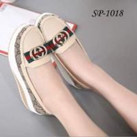 Jual Sepatu Wanita / Sandal Wanita / Wedges / Heels / Sneakers Murah