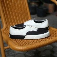 Jual Vans Authentic DX Blocked Black and White Murah
