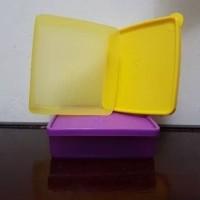 Jual tupperware square away 360 ml kuning, ungu / kotak makan Murah